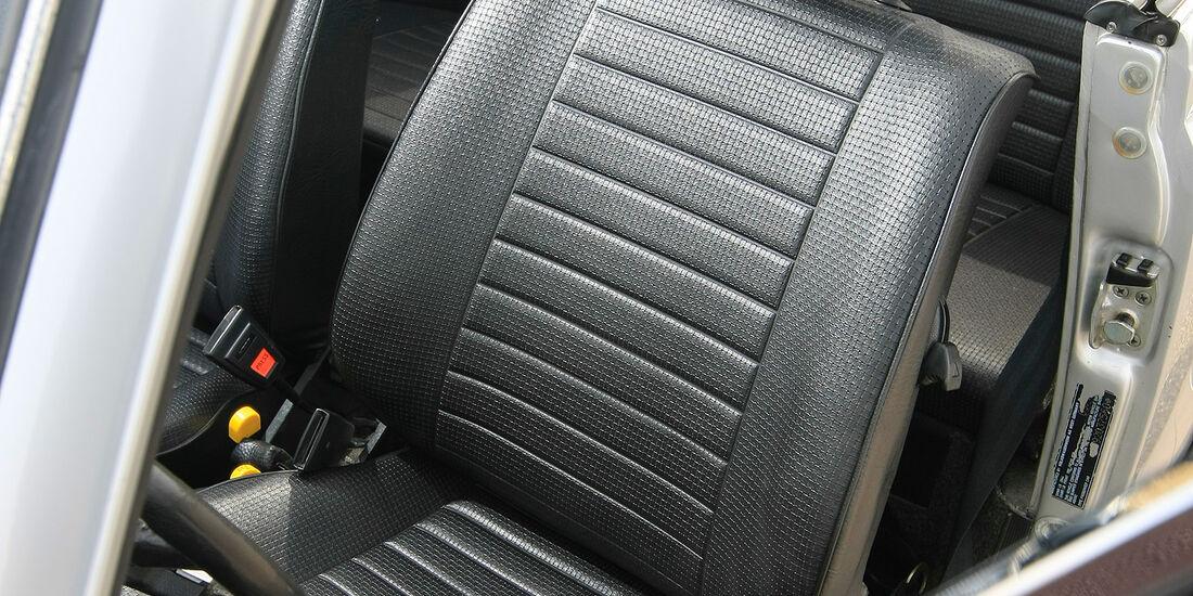 VW 1303 Cabriolet Fahrersitz
