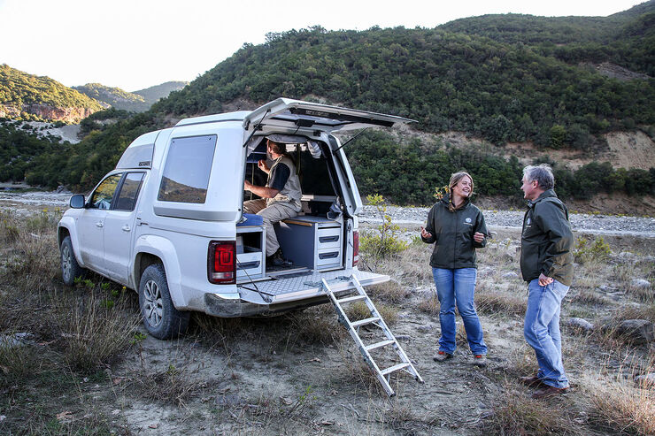 vw amarok vario top wohnkabine der teilzeit camper auto. Black Bedroom Furniture Sets. Home Design Ideas