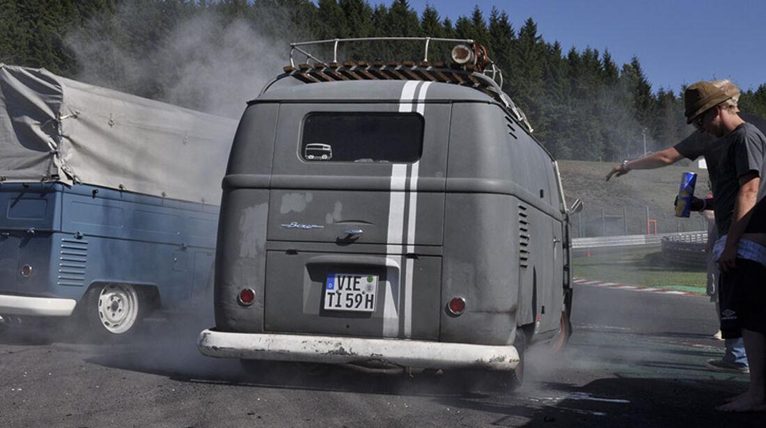 VW Bus T1 Burnout