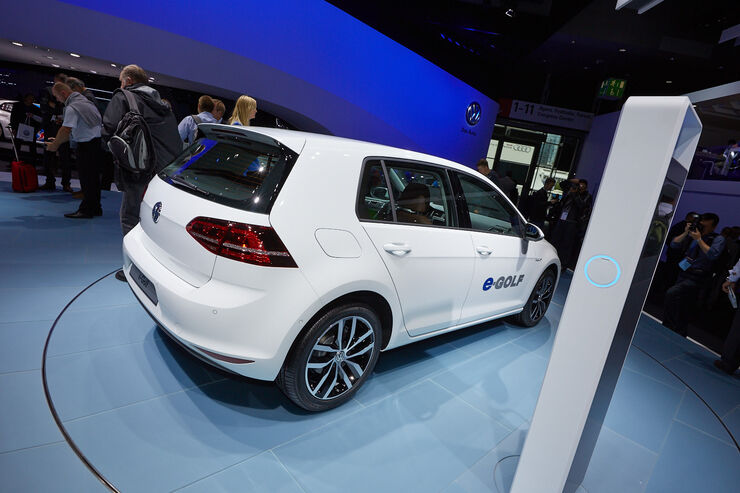 vw e golf auf der iaa 2013 elektro golf mit 190 km reichweite auto motor und sport. Black Bedroom Furniture Sets. Home Design Ideas
