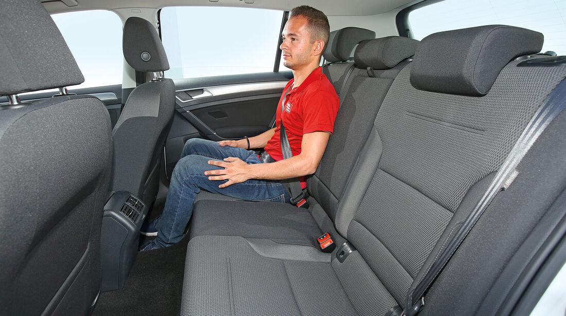 VW Golf 1.0 TSI, Fondsitz