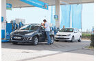 VW Golf 1.2 TSI Comfortline, Peugeot 308 98 VTi Access, Tankstelle