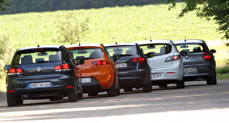 VW Golf GTD, BMW 120d, Audi A3 Sportback Ambition, Seat León FR, Mazda 3 2.2 MRZ-CD S.L.