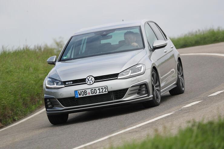 VW Golf GTD Front
