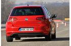 VW Golf GTI 2.0 TDI, Heckansicht, Slalom