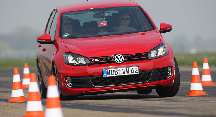 VW Golf GTI Test