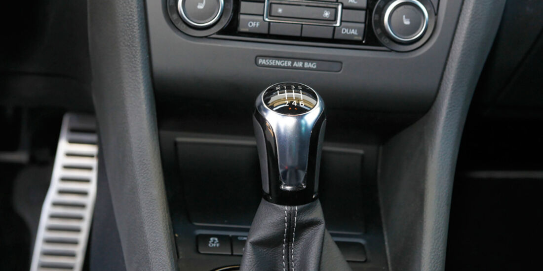 VW Golf R, Detail, Innenraum, Cockpit, Schaltknauf