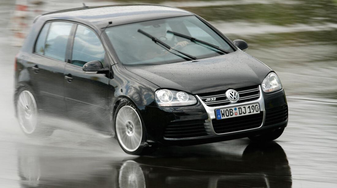 VW Golf V R32 15