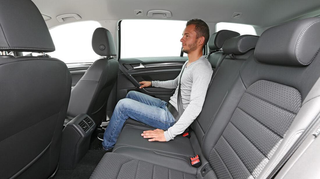 VW Golf Variant 2.0 TDI, Rückbank, Beinfreiheit