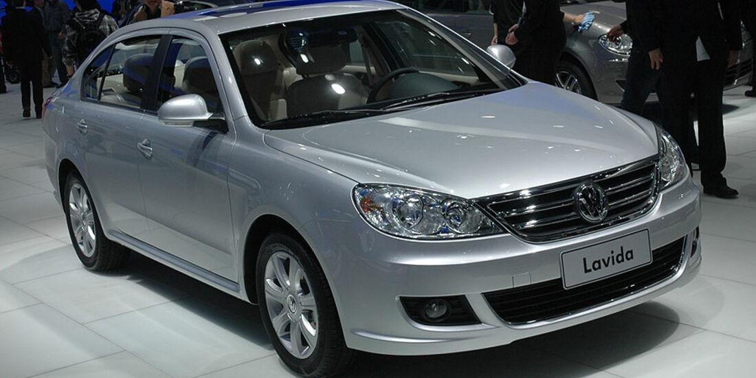 VW Lavida auf der Auto China 2010