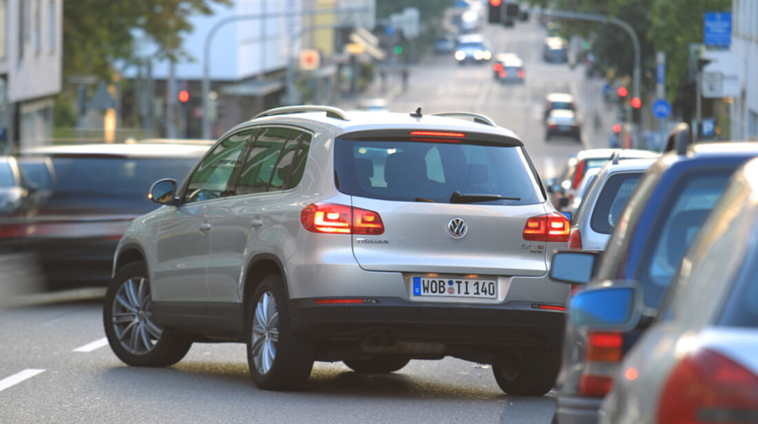 VW Tiguan 2.0 TSI 4motion Sport & Style, Ausparken