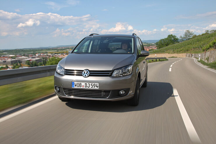 vw touran 1 4 tsi ecofuel im test familienvan mit. Black Bedroom Furniture Sets. Home Design Ideas