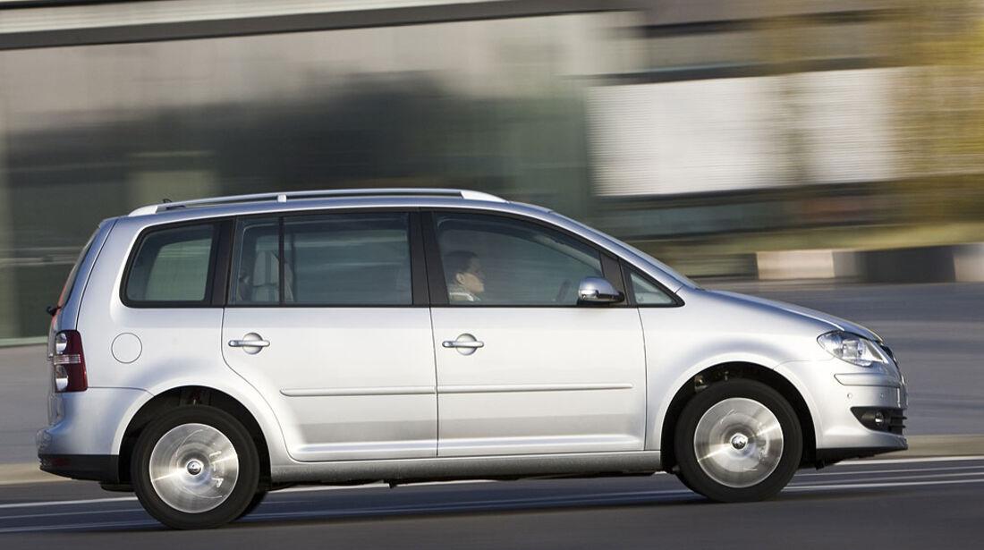 VW, Touran 2.0 TDI, dynamisch, vtest, aumospo0309