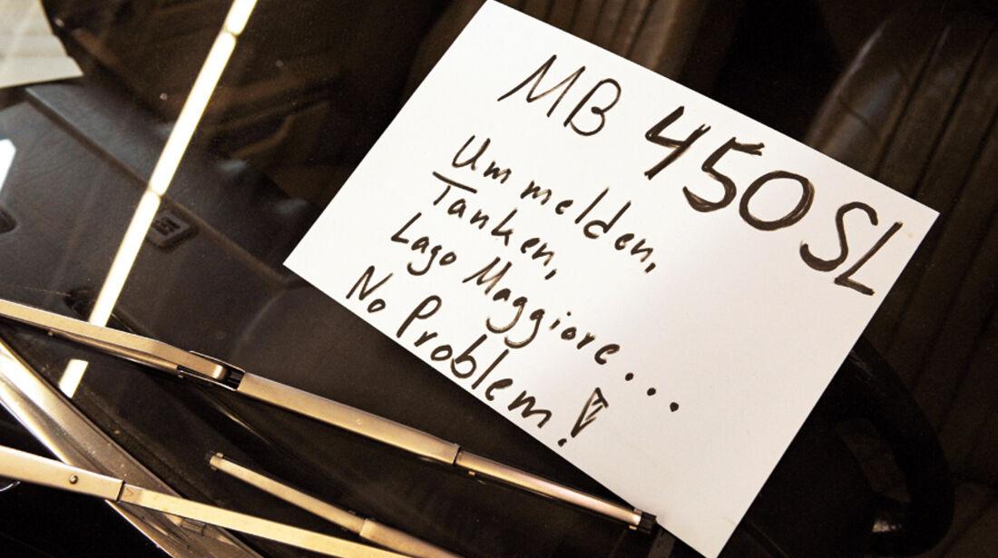 Verkaufsschild für einen Mercedes-Benz 450 SL  auf der Techno-Classica 2010