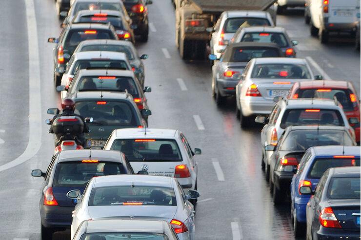 Verkehr Stau auf der  Autobahn