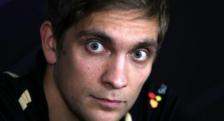Vitaly Petrov - GP Abu Dhabi - 10. November 2011
