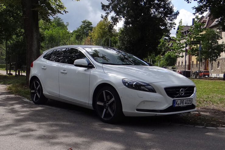 volvo v40 im innenraumcheck willkommen im instrumenten. Black Bedroom Furniture Sets. Home Design Ideas