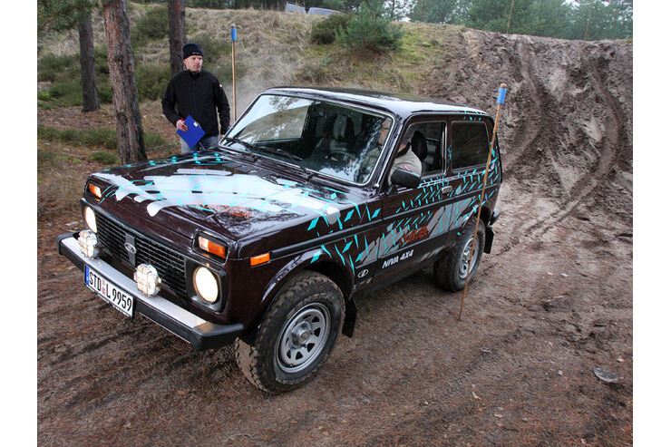 lada niva hunter 4x4 im supertest auto motor und sport. Black Bedroom Furniture Sets. Home Design Ideas